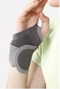 Tynor Universal Wrist Brace With Thumb E 06